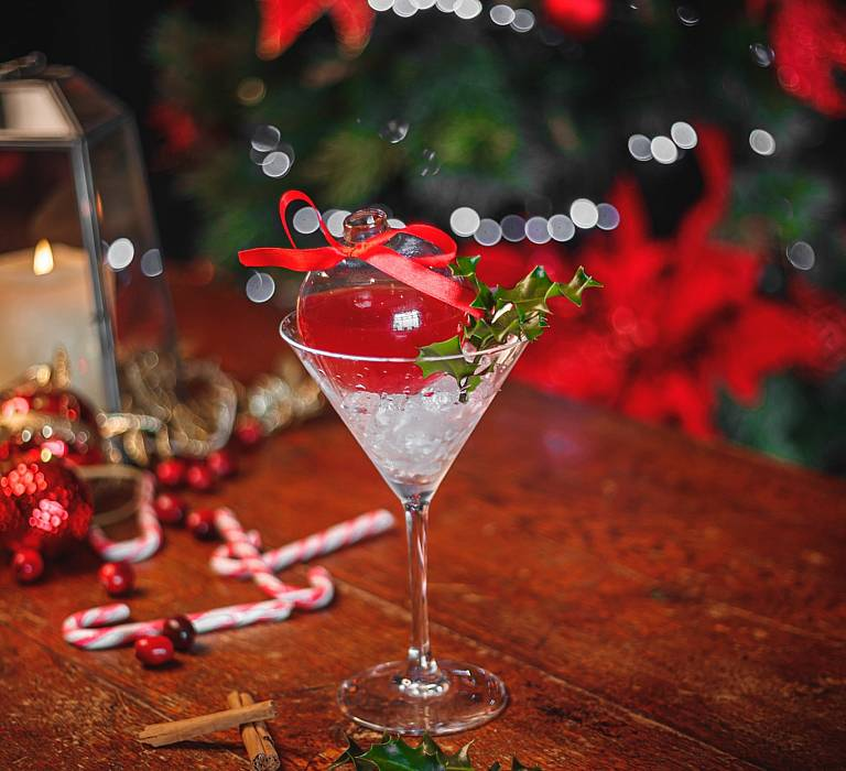 FESTIVE COCKTAILS AT THE MONTENOTTE HOTEL